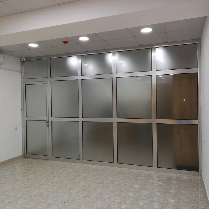 მეტალოპლასტმასის კარები
